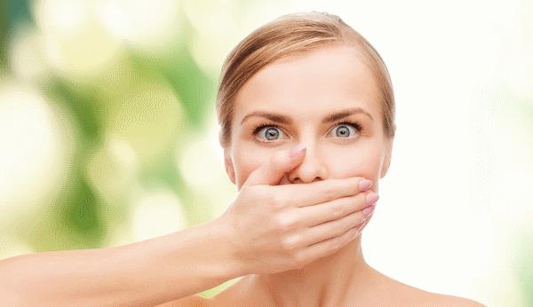 Почему у взрослого изо рта пахнет ацетоном и как избавиться от запаха