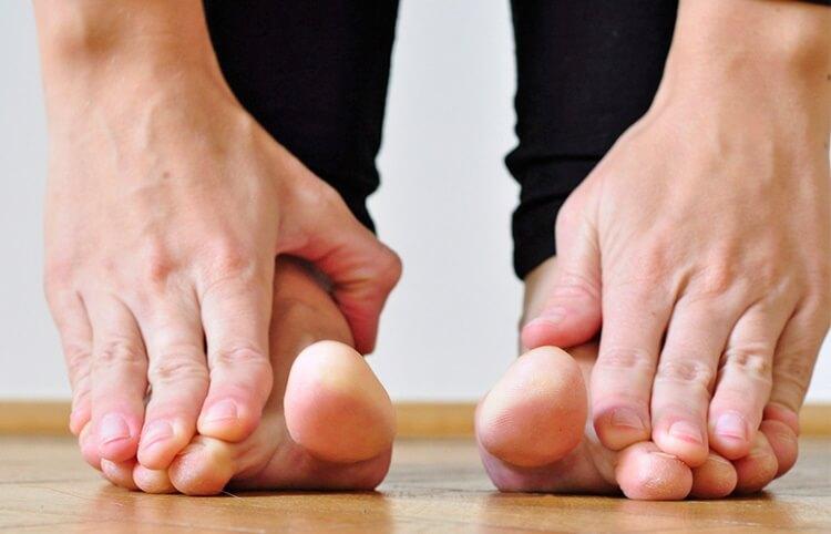 упражнения от косточки на ноге