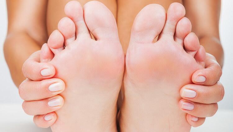 Почему болят пальцы на ногах