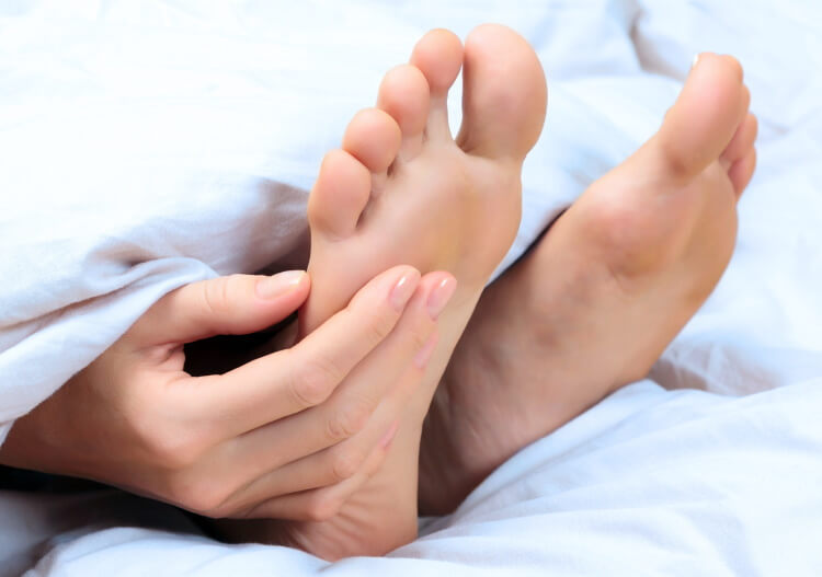 Нарост на мизинце ноги